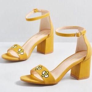 Modecloth yellow bee embroidery block heels 8.5